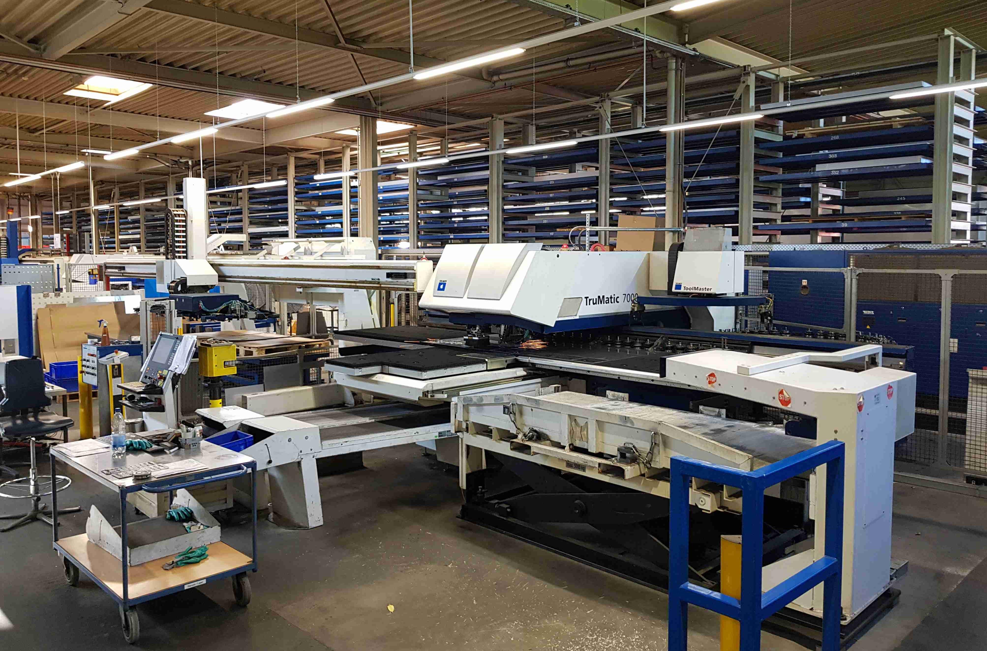 5 nhóm thiết bị nhà xưởng cần thiết nhất cho nhà máy mới